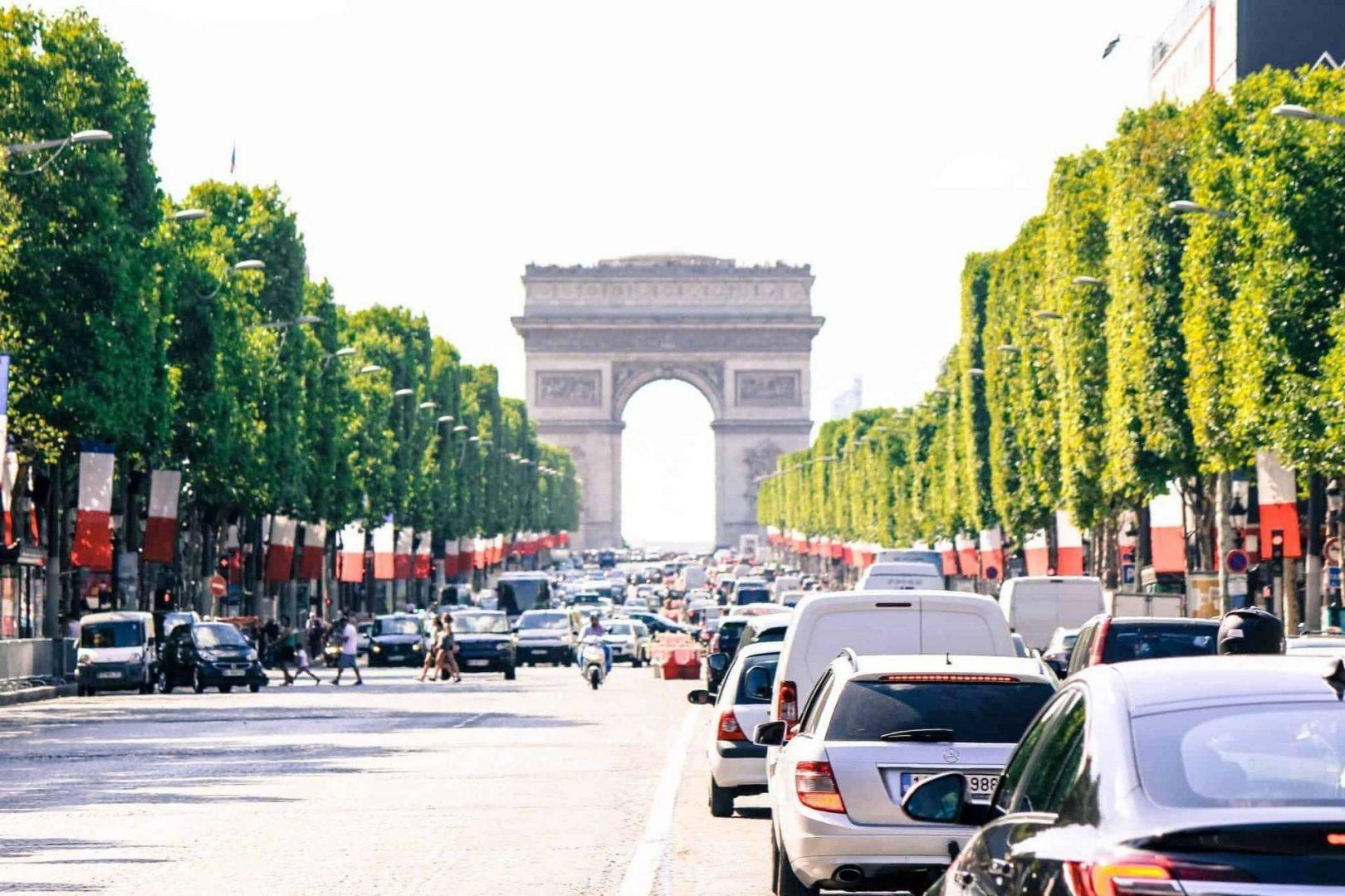 Tanie wycieczki autokarowe do Paryża